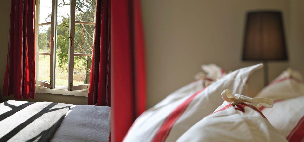 Redleaf-Bedroom-04